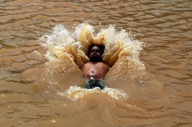 in-photos-heatwave-in-india-body-image-1432844019