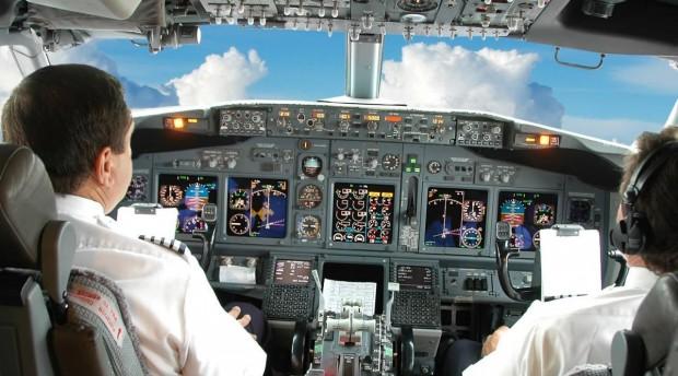 Airline-Cockpit